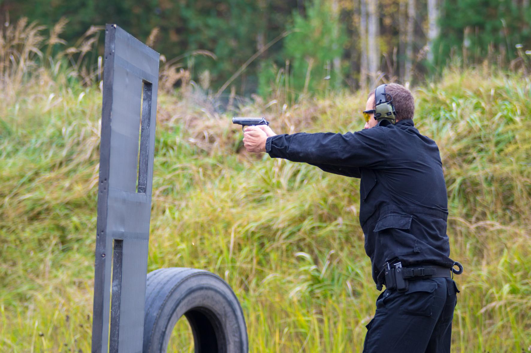 В Кирове состоялся Открытый турнир по практической стрельбе из пистолета на полигоне Бурмакино